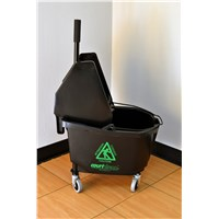 Courtclean® 26 QT Heavy Duty Downpress Wringer/Bucket