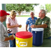 Kevin, Denise, Eric and Pastor Jim preparing lemonade